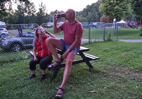 kühles Bier für Karen und Werner