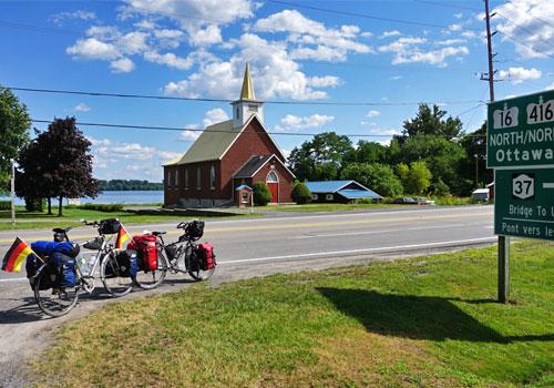 Johnstown - Kirche am Strom