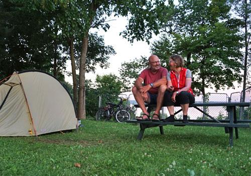 Campingplatz am Sankt Lorenz-Strom bei Neuville