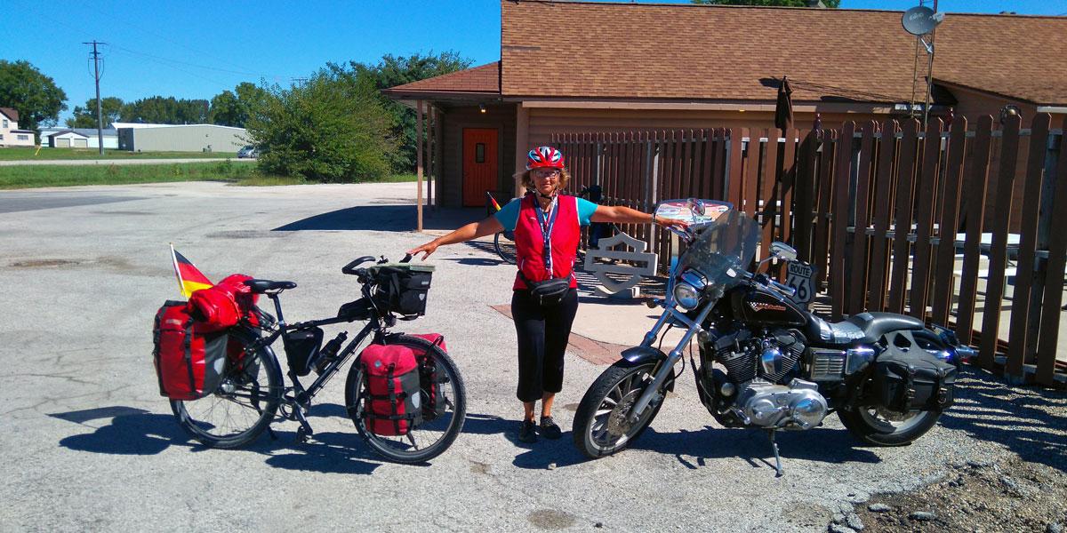 Fahrrad oder Harley? Ich will nicht tauschen. Harleyfahrer treffen wir jeden Tag.