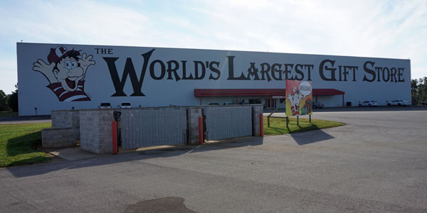 worlds-largest-gift-store