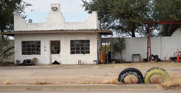 alte-werkstatt-in-shamrock-texas