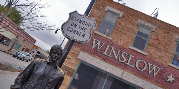 jackson-brown-statue-in-winslow