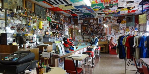 sabbatical-im-sattel-bagdad-cafe-von-innen