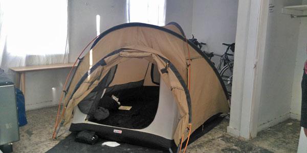 sabbatical-im-sattel-zelt-in-der-motel-ruine