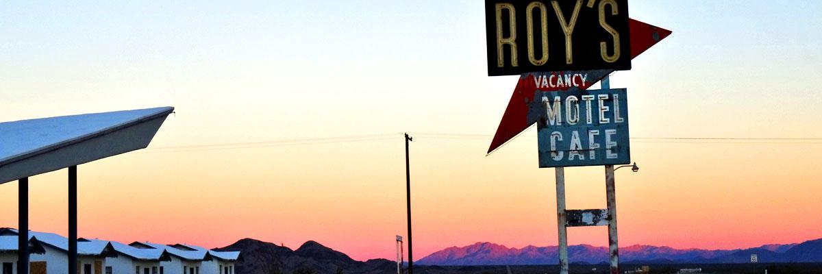 sabbatical-im-sattel-roys-motel-in-der-mojave-desert